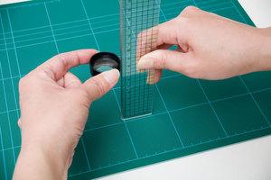 レンズの焦点距離の測り方